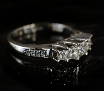 side view of princess cut diamond ring