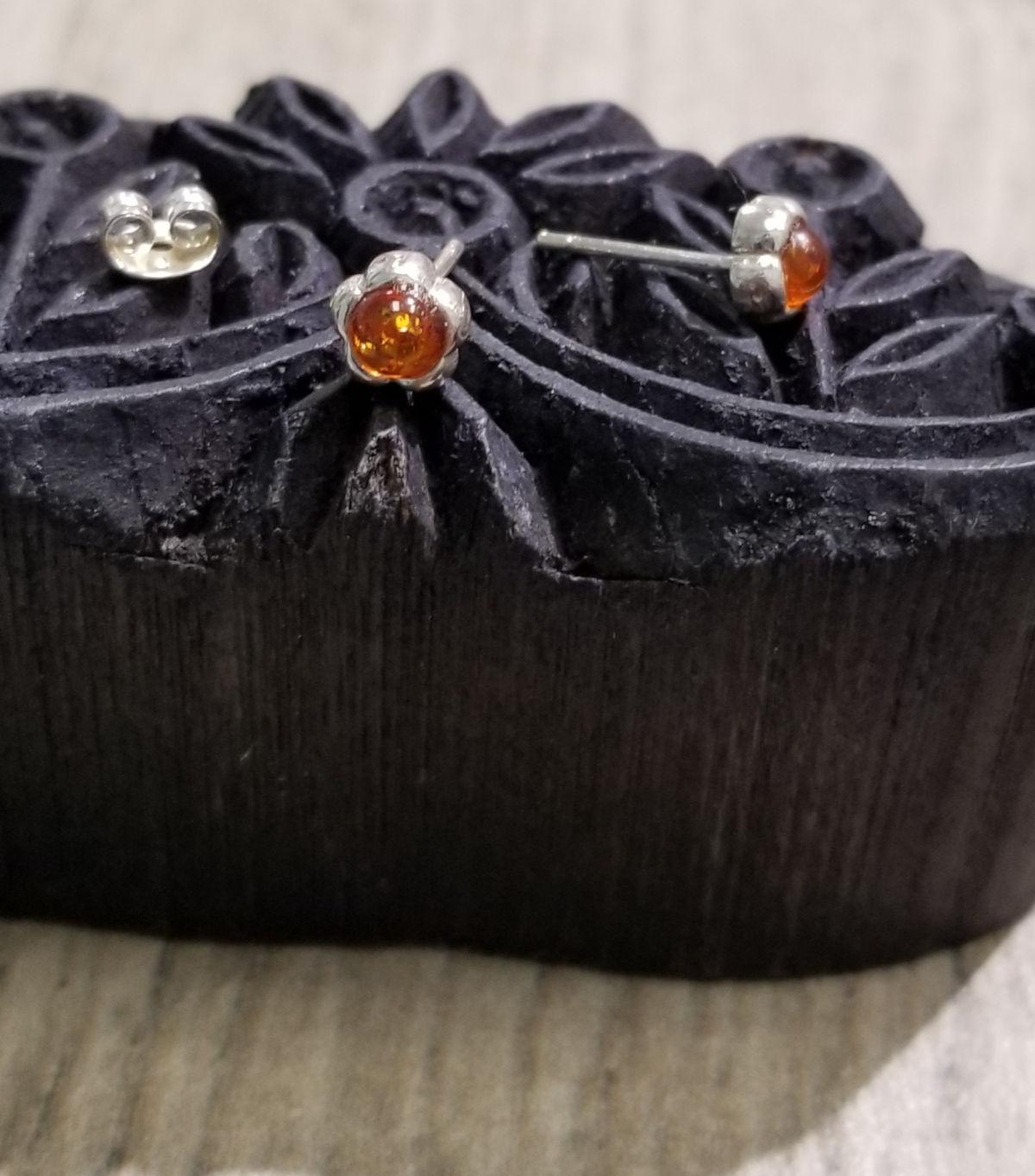 petite amber flower stud earrings
