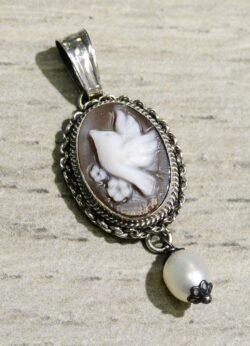 Hand carved sardonyx shell bird cameo and pearl pendant