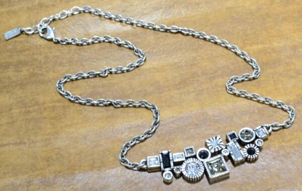 Madison Avenue necklace by Patricia Locke