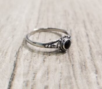 black onyx and sterling silver ring in size 8