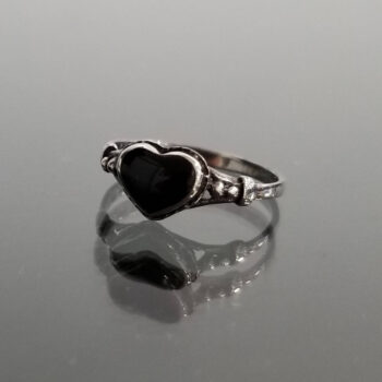 black onyx and sterling silver heart ring
