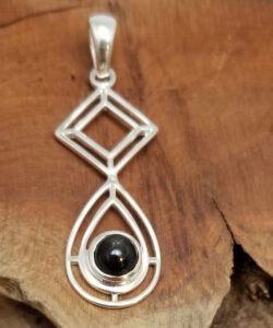 black star diopside and sterling silver pendant