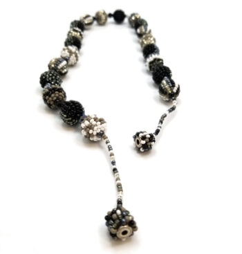 magnet clasp on woven seed bead necklace
