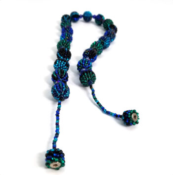 blue beaded necklace with magnet clasp