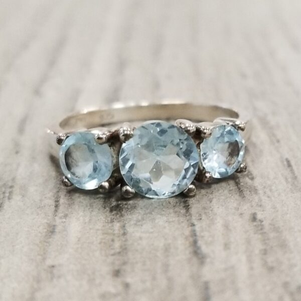 blue topaz 3 stone ring, size 8