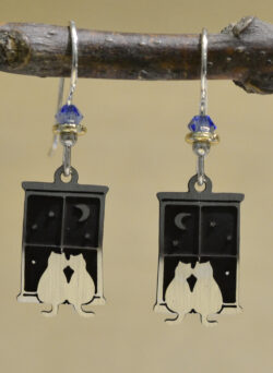 silvertone cats sitting in window dangle earrings