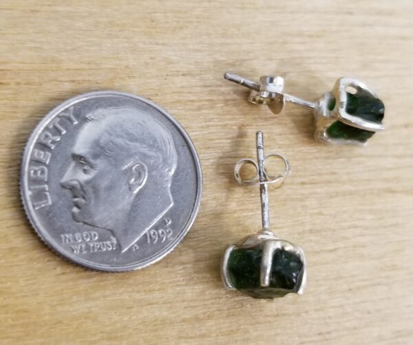 rough green chrome diopside side view of earrings