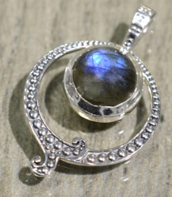labradorite and sterling silver circle accented pendant