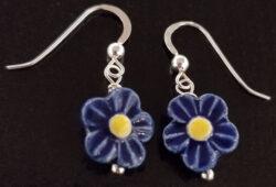 dark blue ceramic daisy earrings