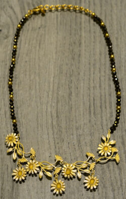 Michael Michaud Deco Daisy handmade beaded necklace