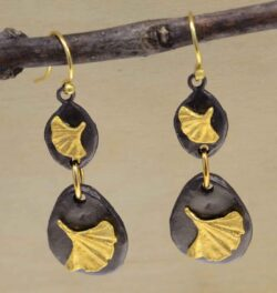 Second nature jewelry double ginkgo leaf pebble dangle earrings