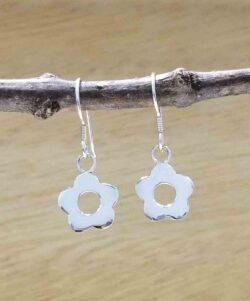 handmade sterling silver daisy flower earrings