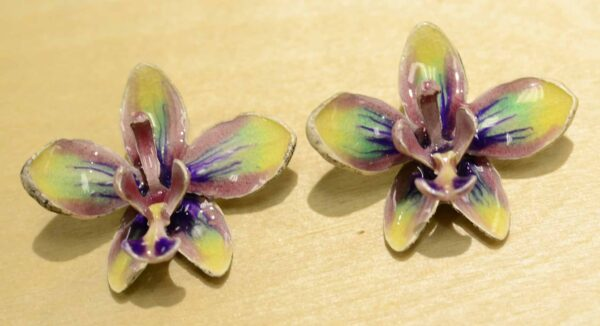 These garden orchid earrings are handcrafted by Michael Michaud as part of his Silver Seasons collection.