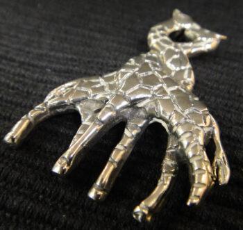 Handmade .925 sterling silver giraffe brooch pin close up
