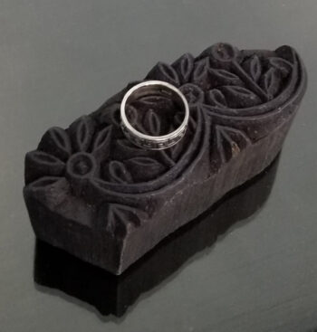 Greek key pattern ring top view