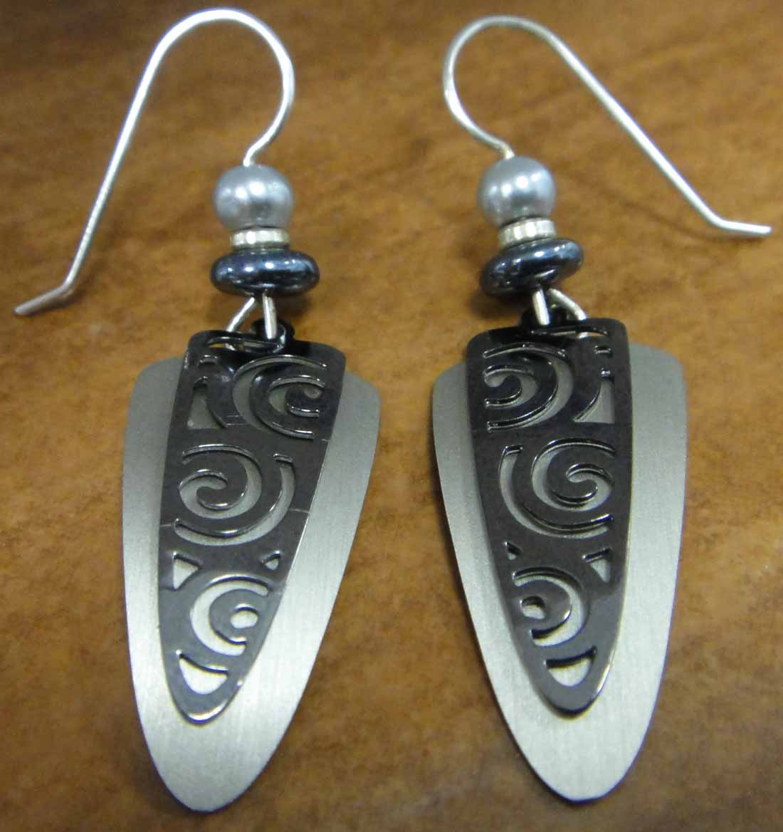 black and grey triangle swirl Adajio earrings