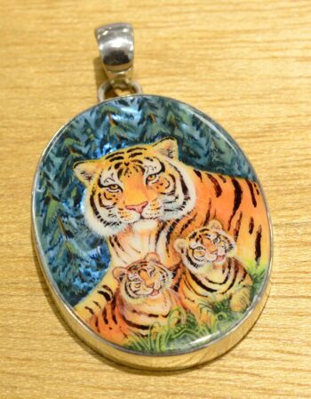 hand painted tiger mother and cubs pendant