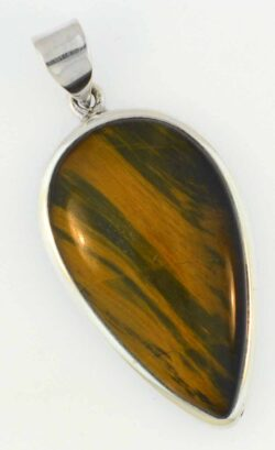 Hawk's eye and sterling silver pendant