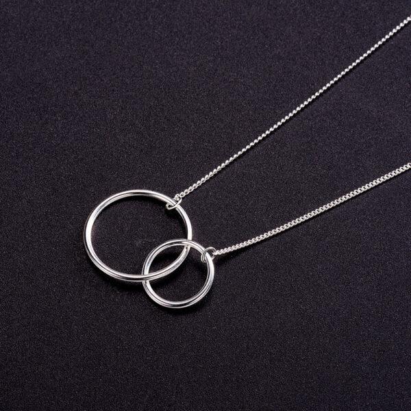interlocking circles necklace