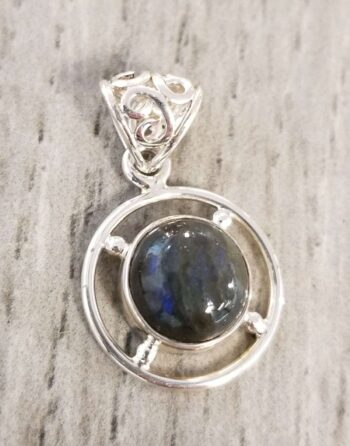 labradorite and sterling silver circle pendant