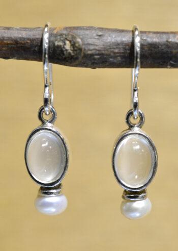 Sierra Designs white moonstone and freshwater pearl oval earrings