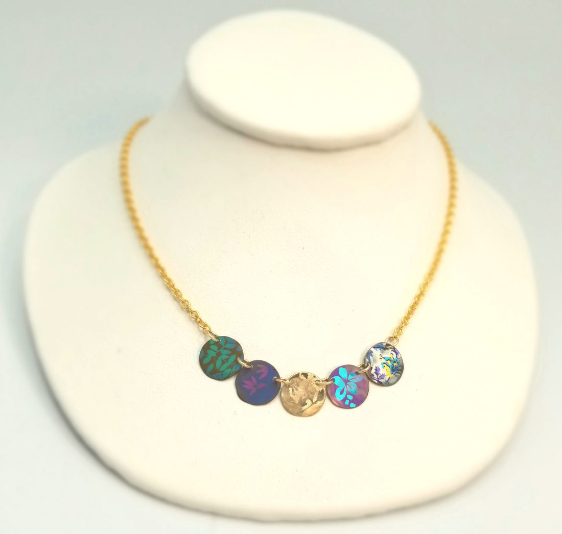 dainty circles necklace by Holly Yashi
