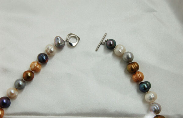 clasp of multi-color pearl necklace