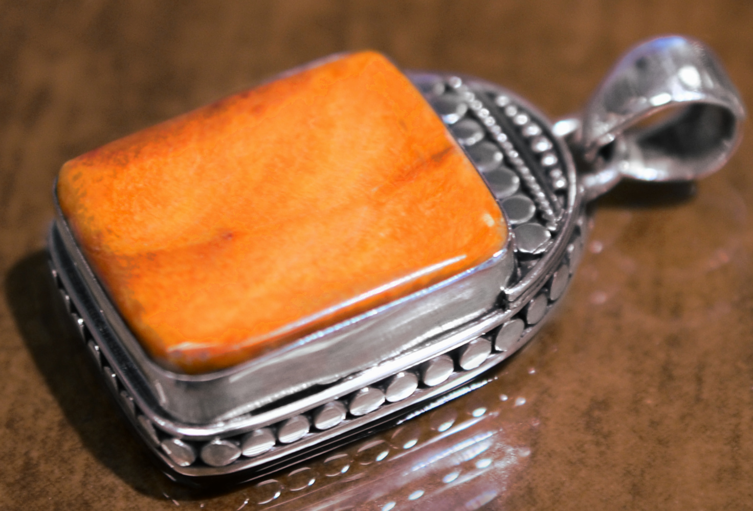 handmade orange spiny oyster shell pendant