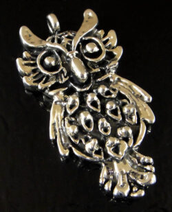 Handmade .925 sterling silver detailed owl pendant
