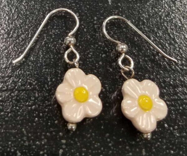 pale pink daisy earrings
