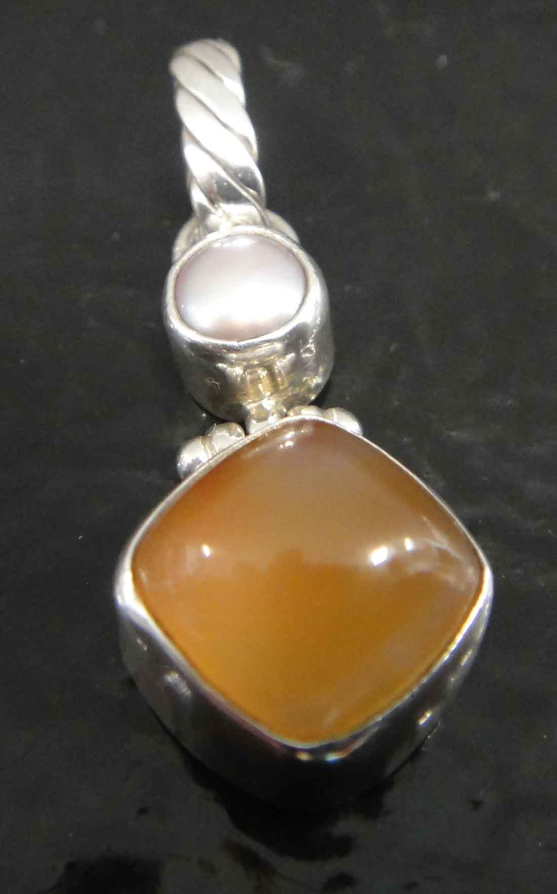 Pearl and agate sterling silver pendant