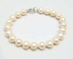 white fresh water pearl bracelet with sterling silver clasp