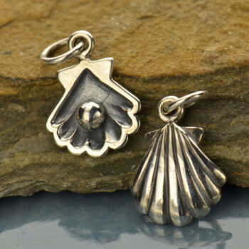 pearl in sea shell charm
