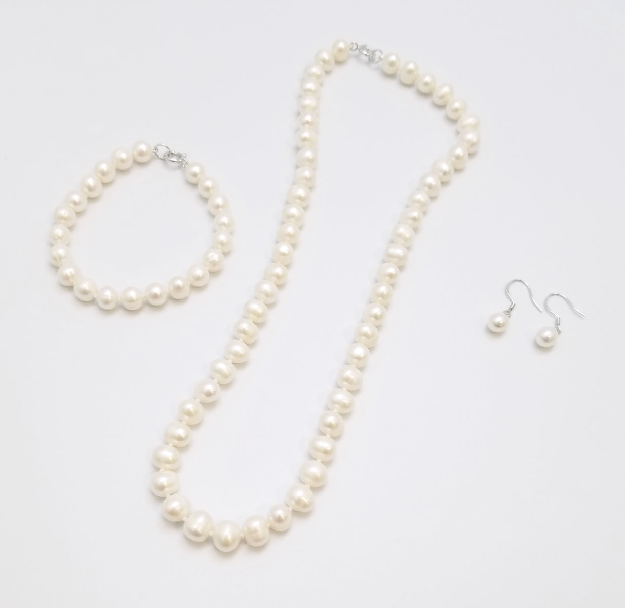 pearl jewelry set -pearl bracelet, pearl necklace, pearl earrings