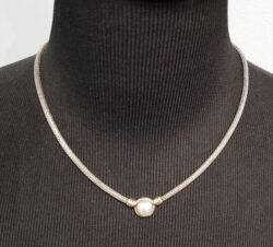 pearl necklace with woven silver chain