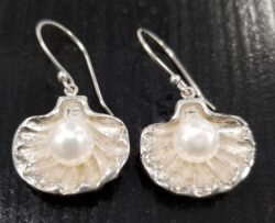 fresh water pearl in sterling silver oyster shell earrings