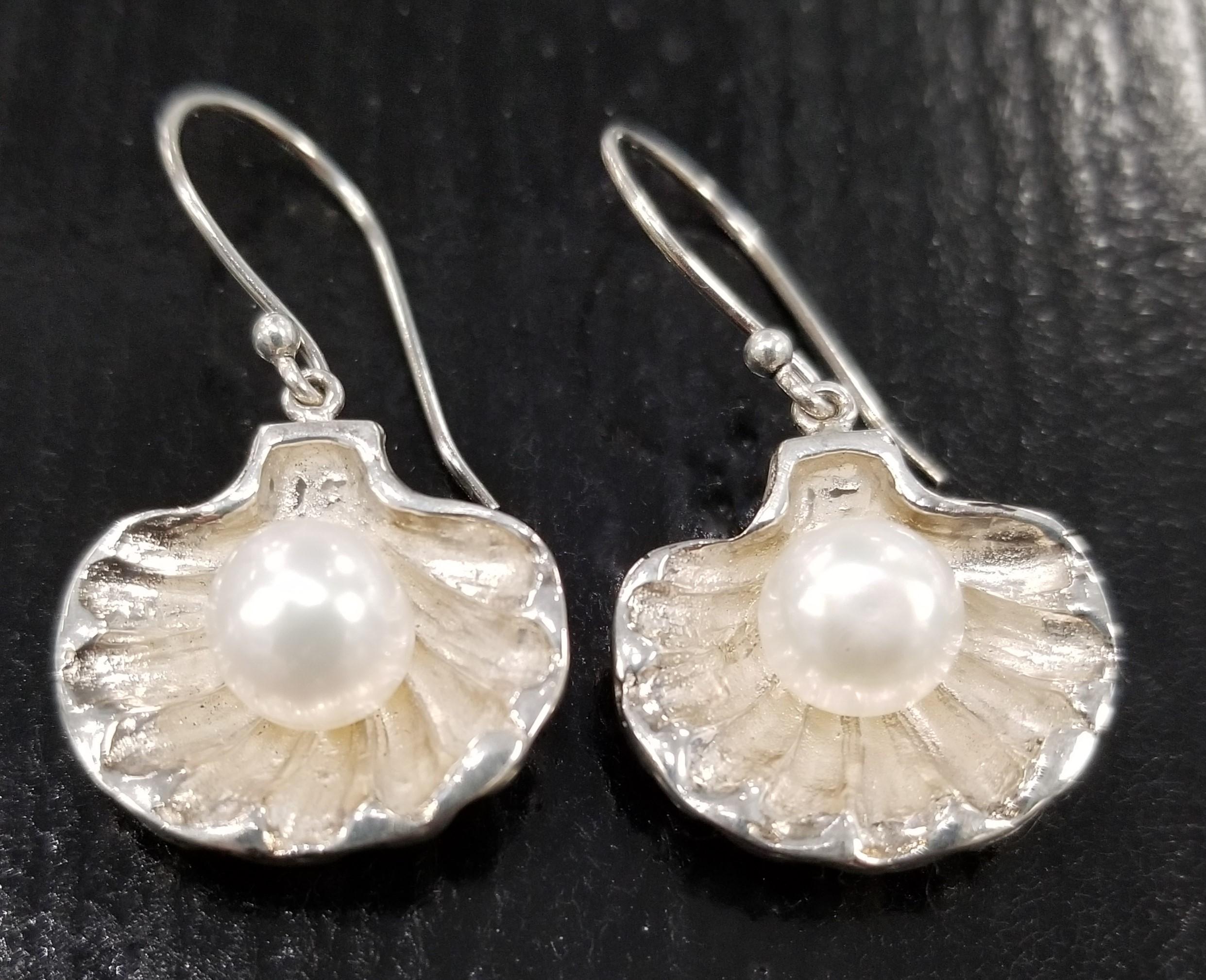 fresh water pearl in sterling silver oyster shell earrings