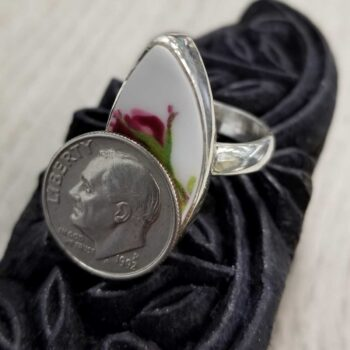 rose bud ring with dime for scale