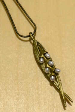 Michael Michaud rice leaf bronze and pearl necklace