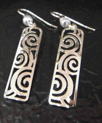 Silvertone Adajio earrings with swirls