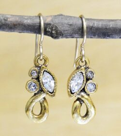 Patricia Locke Soulmate goldtone earrings in All Crystal