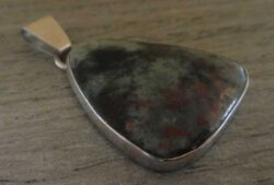 handmade triangular thomsonite and sterling silver pendant by Dale Repp
