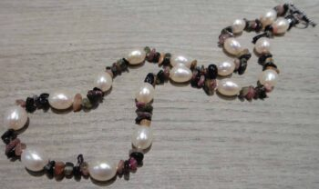 Handmade tourmaline stone chip and pearl necklace