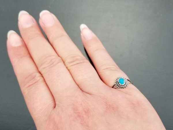 turquoise size 5 ring on hand