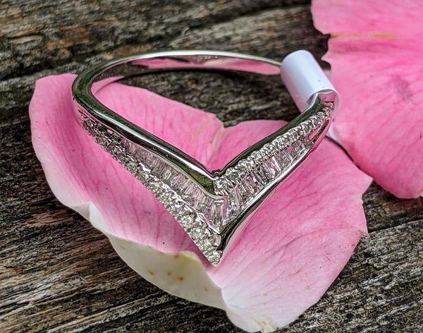 diamond point ring