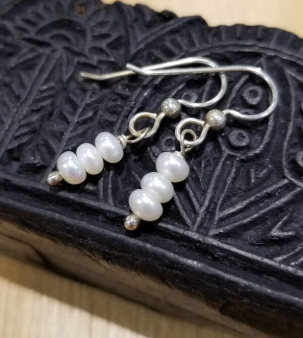 white fresh water pearl earrings